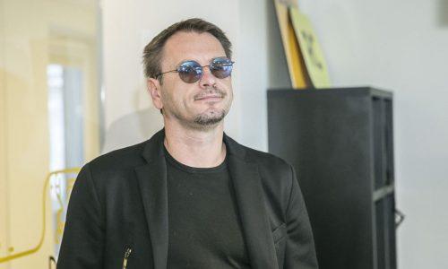 """Namie užsidaręs M. Mikutavičius siunčia griežtą žinią: """"Turime susitelkti ir laikytis disciplinos"""""""